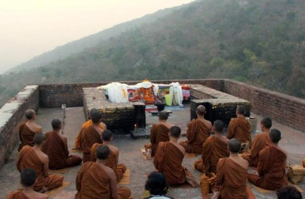 Gridhakuta Hill - Vulture's Peak - கழுகுக்குன்றம் - ராஜ்கிர், பீகார்